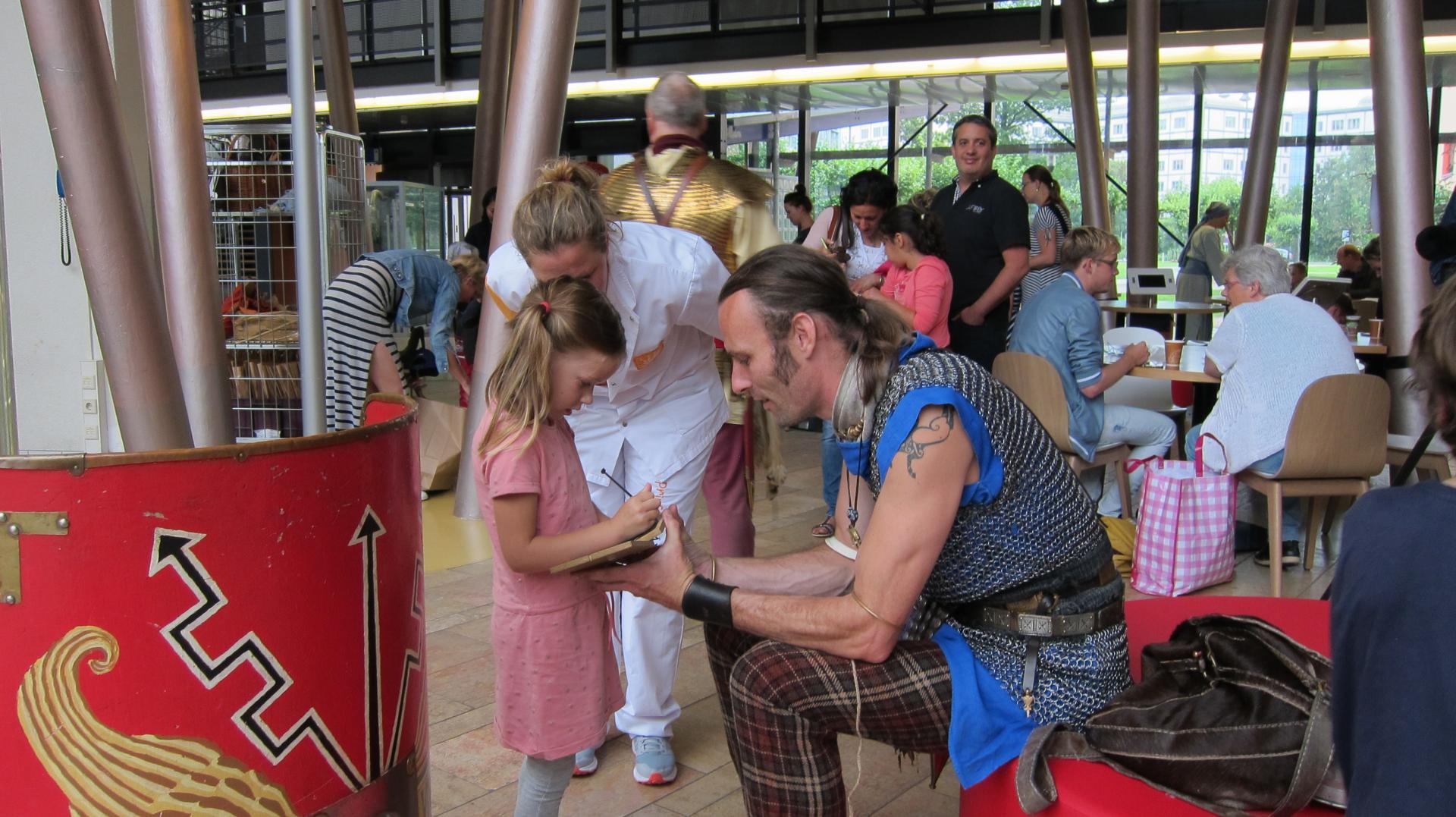 Romeinen op bezoek bij het Wilhelmina Kinderziekenhuis
