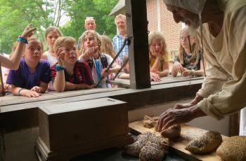 Eerherstel voor boer, bakker en bammetje: Middeleeuwse hompen, vers uit de oven